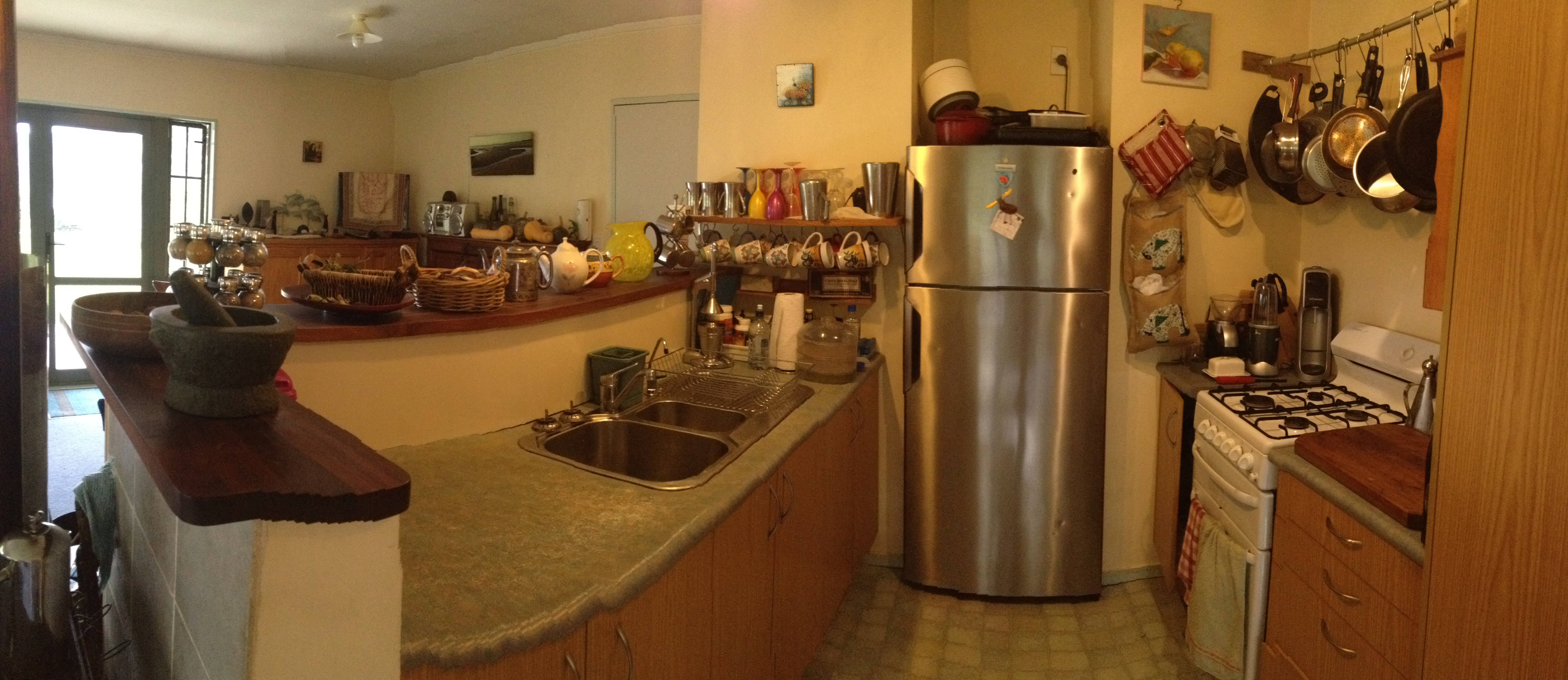 Crystal Bay Lodge - Kitchen